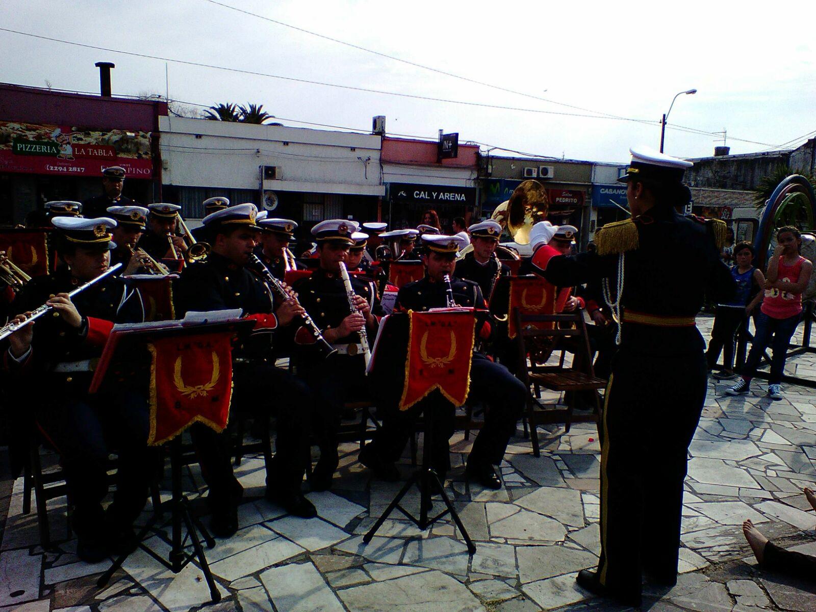 cierre con la banda del Liceo Militar